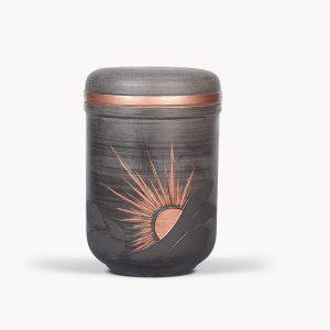 Keramische urn met zon